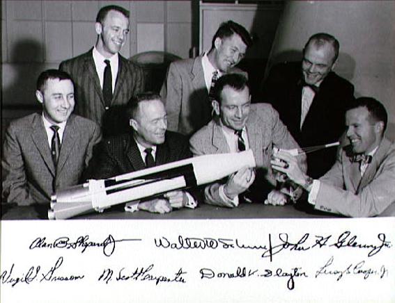 NASA, pirmasis astronautų būrys