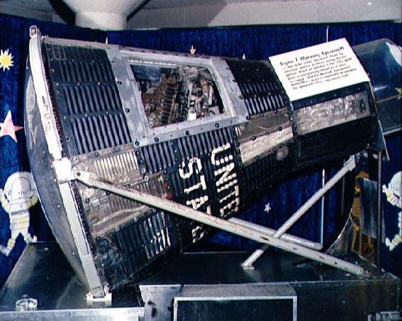 Sigma 7 erdvėlaivis demonstruojama Johnson Kosminiame centre