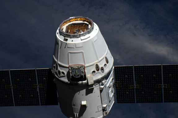 Dragon, SpaceX, TKS